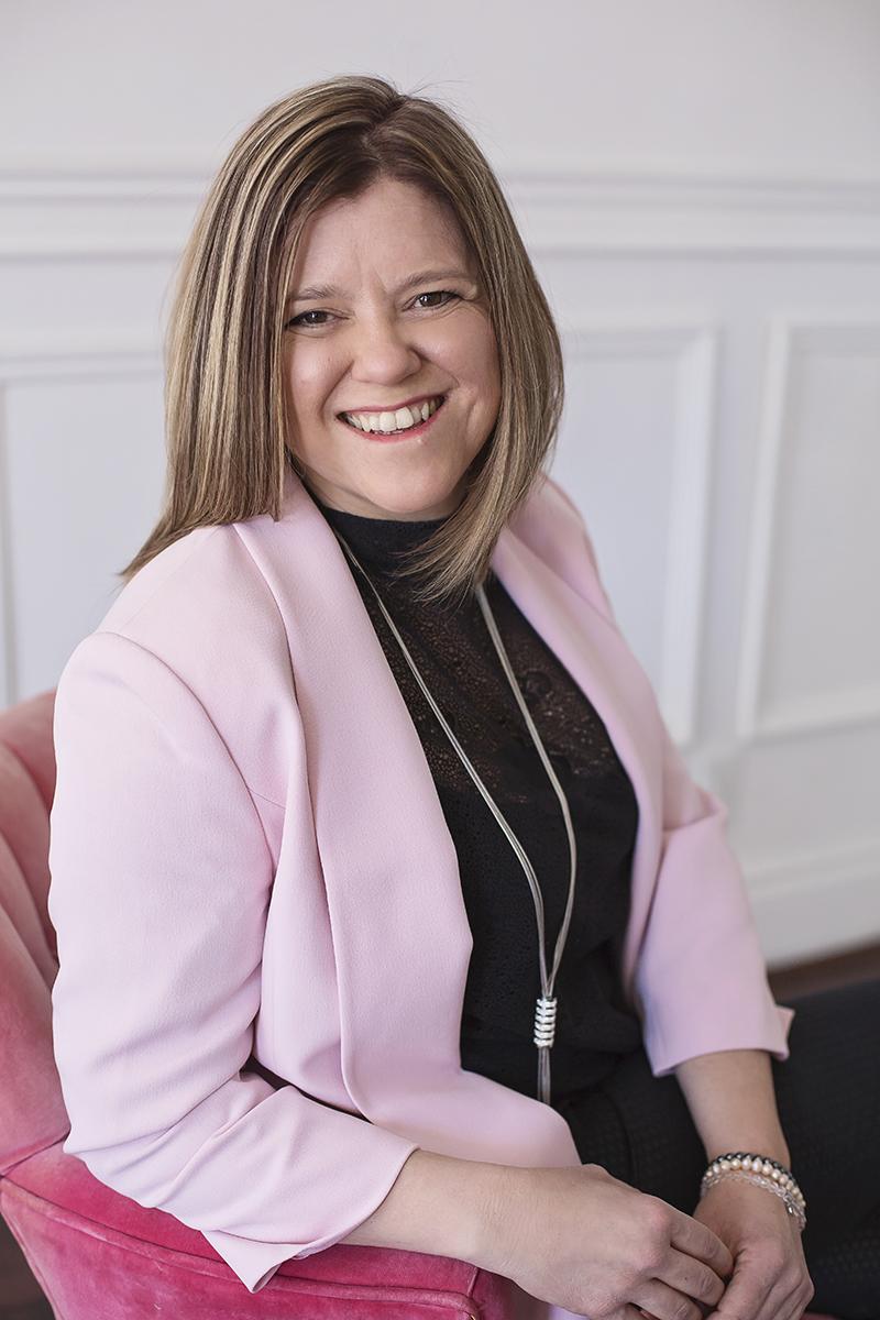 Photographe professionnel - Portrait d'affaire femme à Montréal – Isa Photographie