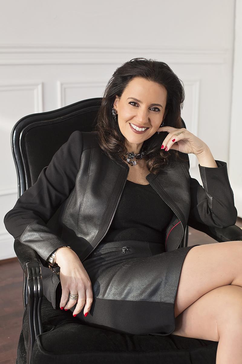 Caroline Codsi - Photo Portrait d'affaire femme Montréal – Isa Photographie