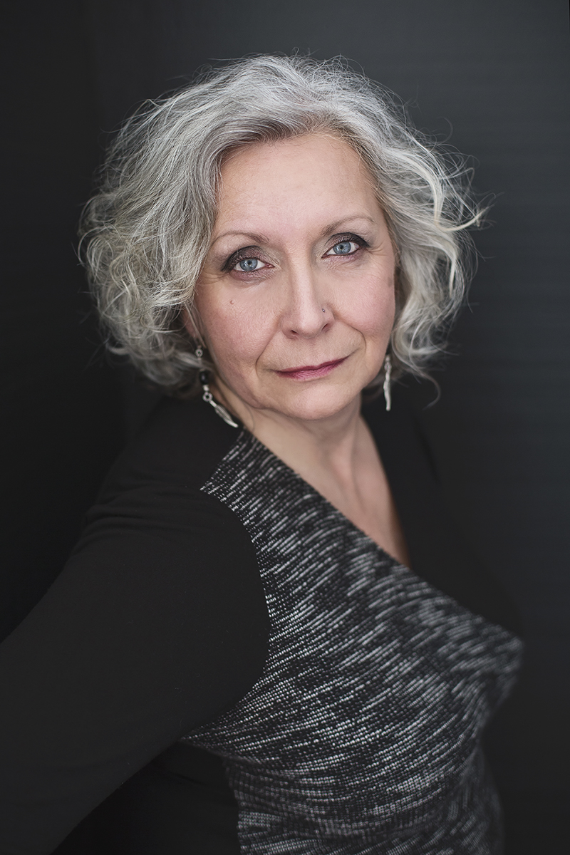 Photographe professionnel - Portrait femme glamour et boudoir à Montréal – Isa Photographie