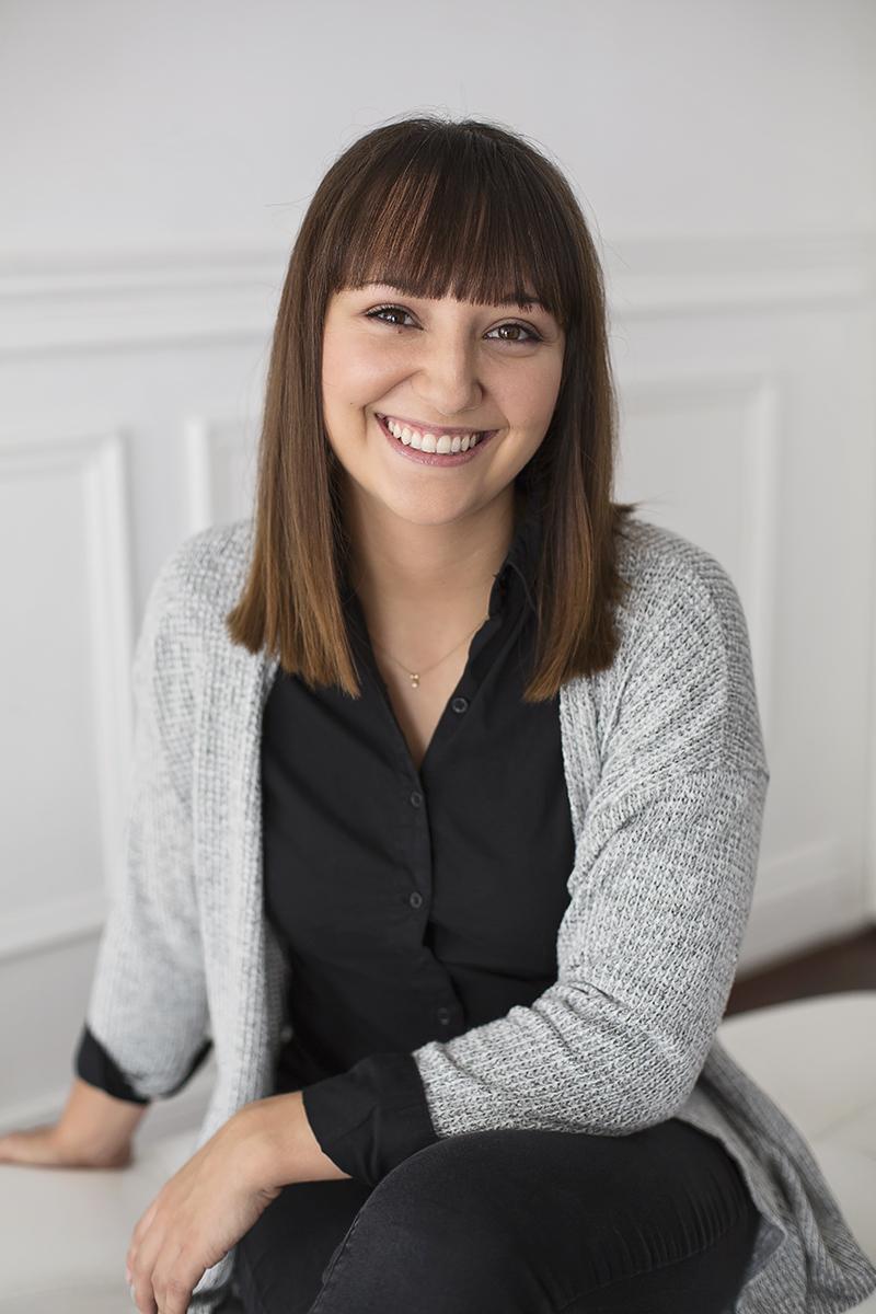 Myriam Saumure - Photo Portrait femme glamour et boudoir Montréal – Isa Photographie
